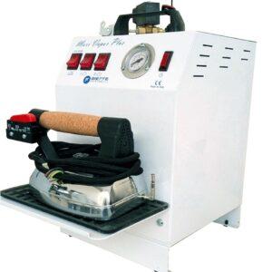 Парогенератор с утюгом Bieffe Maxi Vapor BF015CETRS имеет повышенную мощность подачи пара – 4,5 бар